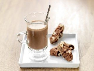 Hot_chocolate_ID39605_landscape-scr