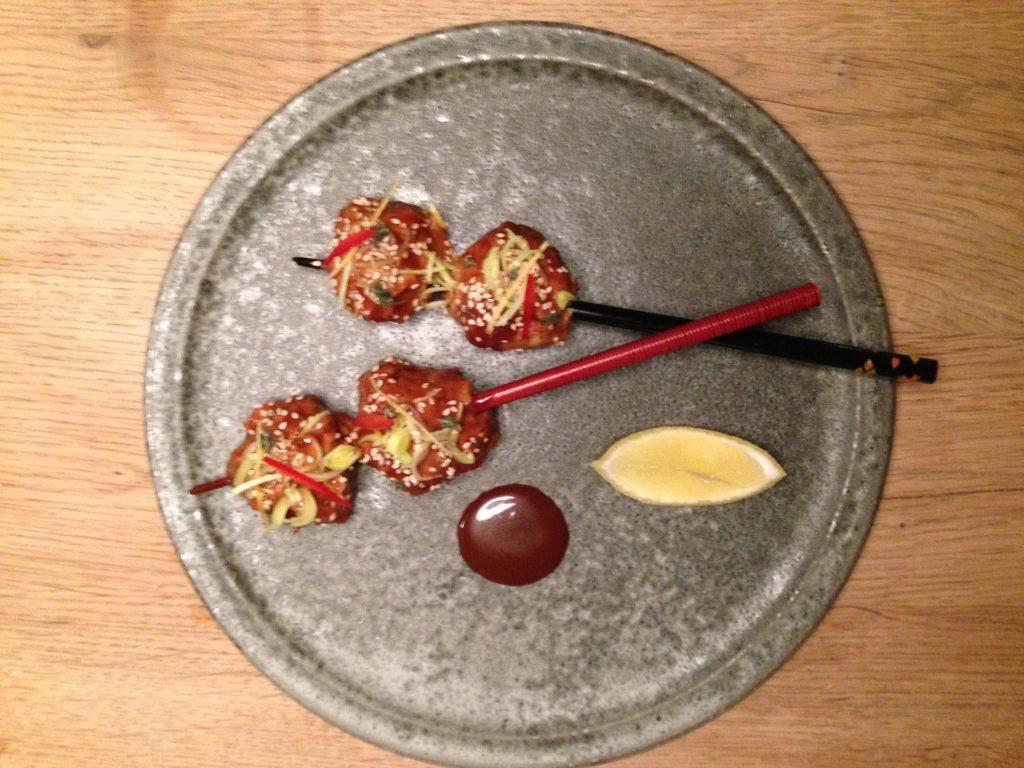 Fjerkræsboller i asiatisk sauce Magnus Sonne